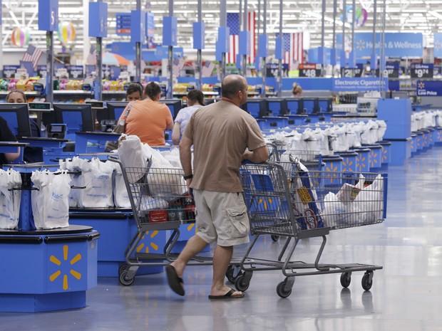 Walmart anuncia que irá fechar 269 lojas no mundo, sendo 60 no Brasil (Foto: AP)