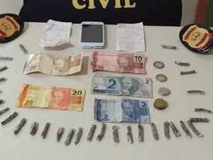 Material foi apreendido no Bujari depois de denúnica anônima  (Foto: Divulgação/Polícia Civil)