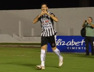 Frontini, atacante do Botafogo-PB, comemora gol, Botafogo-PB x Sousa (Foto: Hévilla Wanderley / GloboEsporte.com/pb)