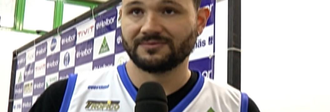 Mogi Basquete apresenta o pivô Caio Torres
