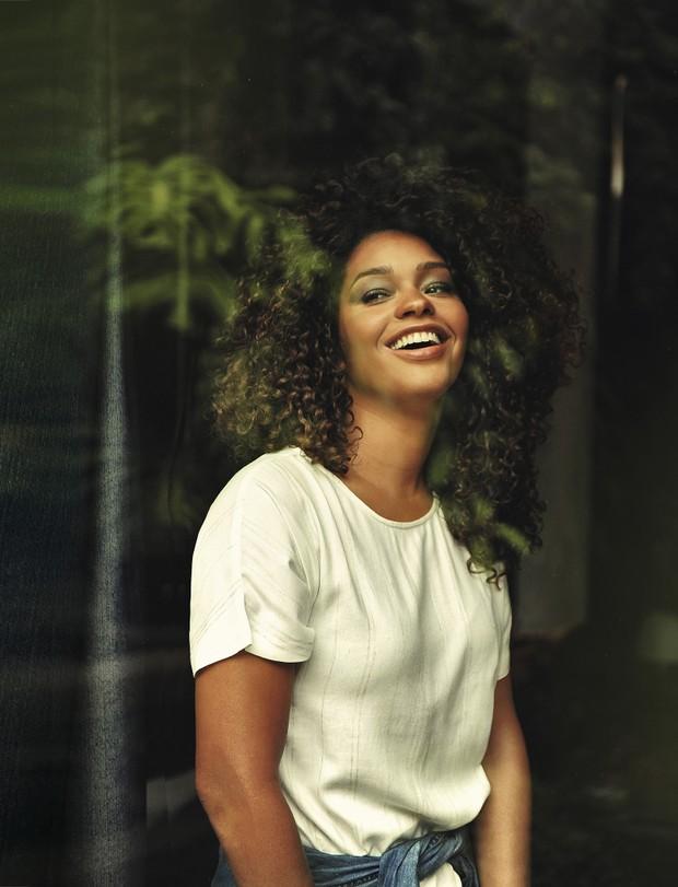 A atriz Juliana Alves na capa da revista GOL Linhas Aéreas (Foto: Daniel Aratangy – Revista Gol Linhas Aéreas Inteligentes )