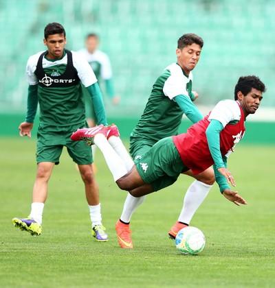 Oliveira e Thiago Carpini treino Guarani (Foto: Marcos Ribolli)