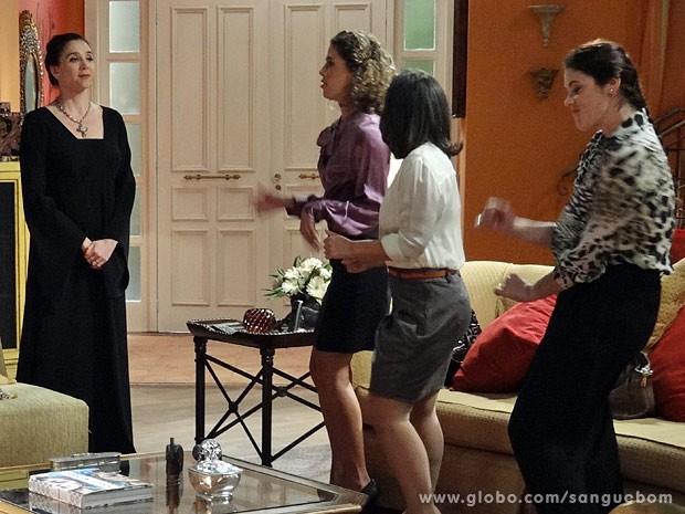 Damáris convoca as amigas para dançar o hit de Brunetty (Foto: Sangue Bom / TV Globo)