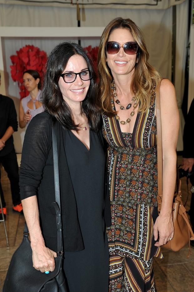 Courteney Cox e Cindy Crawford em evento em Los Angeles, nos Estados Unidos (Foto: Stefanie Keenan/ Getty Images)