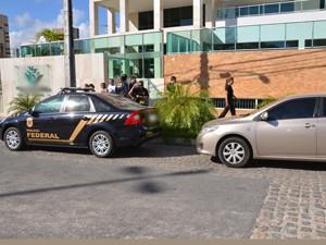 Polícia Federal deflagrou operação para cumprir mandados do STJ (Foto: Walter Paparazzo/G1)