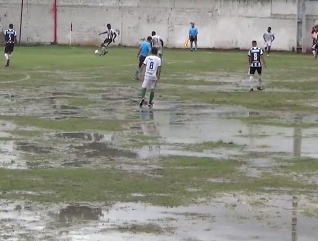 Estádio Joaquim Flores alagado