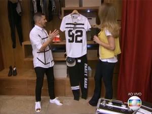 Camisas com estilo universitário estão entre as apostas de Caio Braz (Foto: TV Globo)