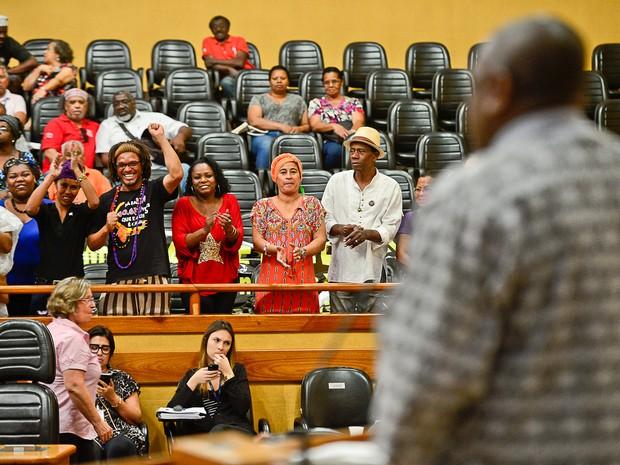 Votação foi comemorada no plenário da Câmara de Porto Alegre (Foto: Guilherme Almeida/CMPA)