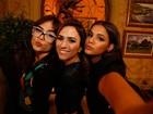 Elenco faz vídeo selfie para convidar o público a assistir I Love Paraisópolis