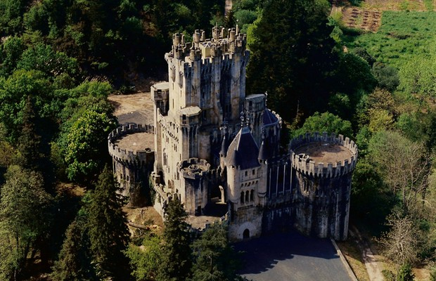 Resultado de imagem para castelo medieval