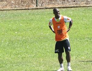 Gilberto no treino do América-MG (Foto: Roberto Rodrigues / Globoesporte.com)