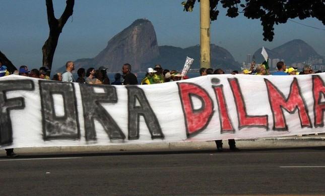 Manifestação na orla do Rio de Janeiro, RJ, 12/04/2015 (Foto: Futura Press)