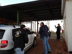 Ministério Público faz operação na manhã desta quarta-feira no RS (Foto: Giovani Grizotti/RBS TV)