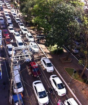 Carreata de taxistas em Passo Fundo após desaparecimento de colega (Foto: Marcus Vinicius Salinet/Arquivo Pessoal)