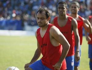 Com a contratação de um atacante, Wando terá mais uma concorrência (Foto: Marcelo Seabra/O Liberal)