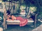 Ana Beatriz Barros posa linda fazendo topless
