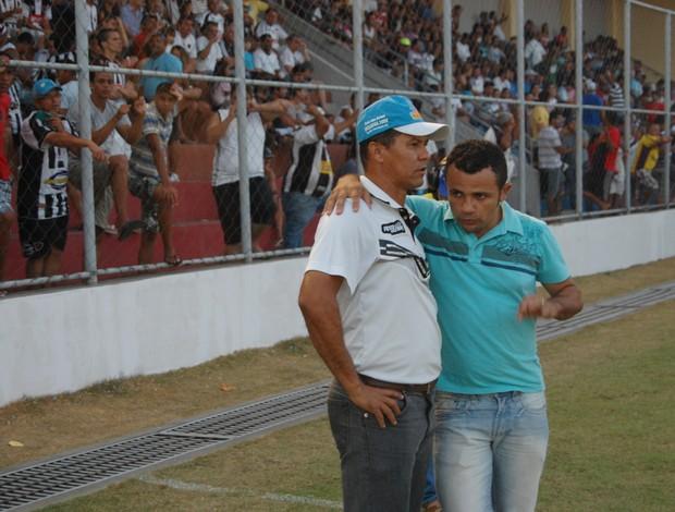 Ramiro Sousa com o presidente Josivaldo Alves, do CSP (Foto: Lucas Barros)