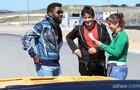 Lázaro e Murilo com a diretora geral Maria de Médicis (Foto: Aline Kras/TV Globo)