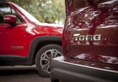 Comparativo: Jeep Renegade X Fiat Toro (Foto: Autoesporte)