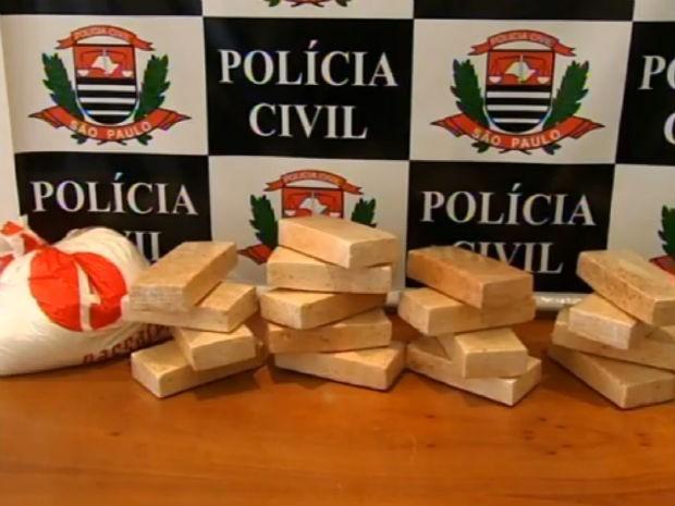 Polícia Civil apreende 23 kg de drogas em casa em Jundiaí (Foto: Reprodução/TV TEM)