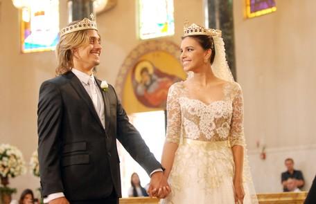 Casamento de Drika (Mariana Rios) e Pepeu (Ivan Mendes), numa igreja ortodoxa na Turquia em 'Salve Jorge' Rede Globo/Zé Paulo Cardeal