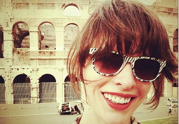 Milla Jovovich faz pas... Milla Jovovich Instagram