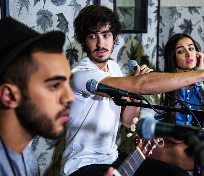 Diogo Melim, Mike Tulio vocalista da OutroEu e Gabi Melim cantam juntos (Foto: Arquivo pessoal)