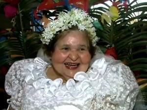 Dona Ivanilza é a noiva do casamento matuto  (Foto: Reprodução/TV Gazeta)