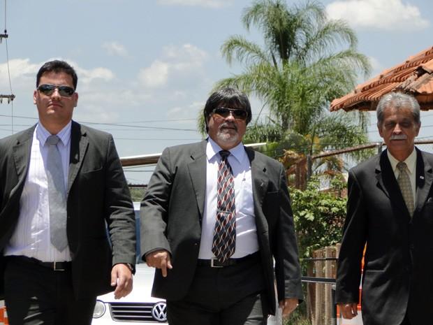 Advogados de Bruno - Tiago Lenoir, Lúcio Adolfo e Francisco Simim - deixam a Penitenciária Nelson Hungria, em Contagem, na Região Metropolitana de BH, após visita ao goleiro (Foto: Humberto Trajano / G1)