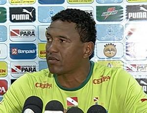 Rogerinho, auxiliar técnico do Paysandu durante a Série B 2013 (Foto: Reprodução/TV Liberal)