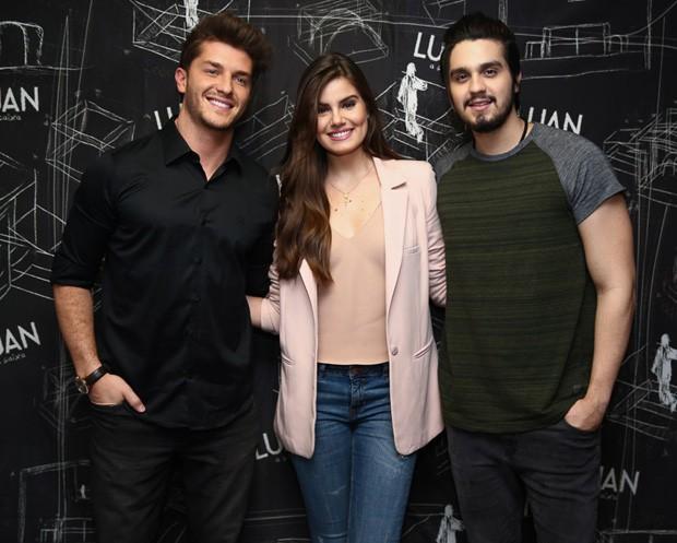 Klebber Toledo, Luan Santana e Camila Queiroz (Foto: Brazil News)