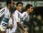 Autor do gol da vitória, Kleber lamenta chances desperdiçadas do Coritiba