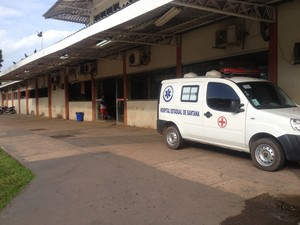 Criança foi levada para o Hospital de Emergências (HE) de Macapá (Foto: Dyepeson Martins/G1)