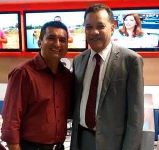 Jornalista da TV Clube acompanha o trabalho de Heraldo Pereira, um dos apresentadores do Jornal Nacional aos sábados. (Foto: Arquivo pessoal)