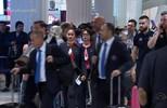Após 30 horas de viagem, Grêmio desembarca em Dubai