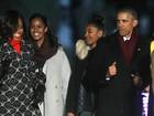 Obama inaugura árvore de Natal da Casa Branca ao lado da família