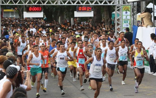 Atletas precisam preparar o corpo e cuidar da alimentação para ter um bom desempenho na Corrida do Círio (Foto: Fernando Araúdo / O Liberal)