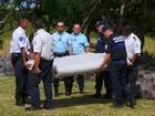 Pedaços de poltrona e janela de avião que seriam do MH370 são achados