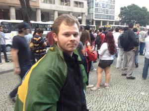 Problema vai além da passagem, diz manifestante (Foto: Luís Bulcão/G1)