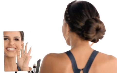 Coque com trança: como fazer o penteado mesmo tendo pouco cabelo