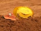Operários que morreram soterrados em Marília são enterrados