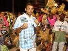 'Só não prometo samba no pé', diz José Aldo na concetração da Vila