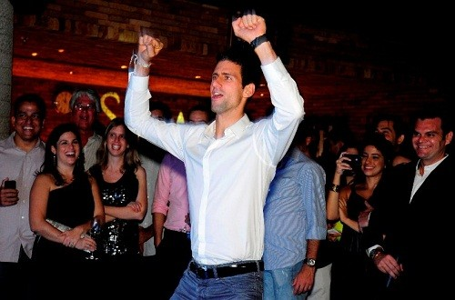 Foto (Foto: Djoko animando os convidados no coquetel em Ipanema)