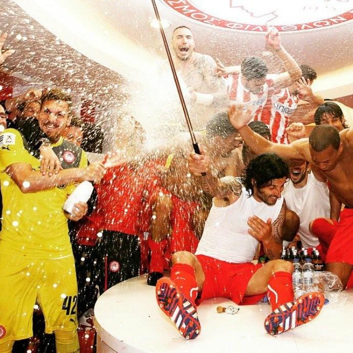 Olympiacos comemoração, Campeonato Grego (Foto: Reprodução / Facebook)