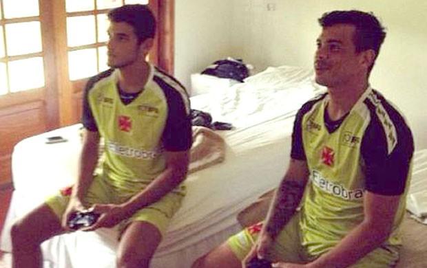 Guilherme Costa e Bernardo no Vasco (Foto: Reprodução / Facebook Oficial)