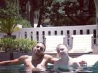 Filho de Madonna aproveita piscina em Buenos Aires