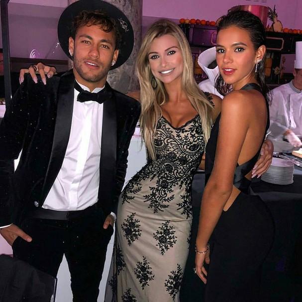 Neymar Jr. Vitória Gimenez e Bruna Marquezine  (Foto: Instagram/Reprodução)