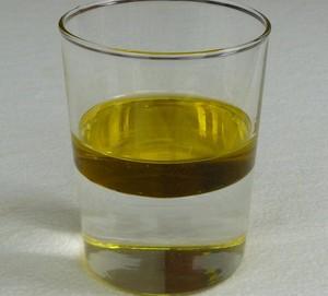 Água e óleo formam mistura heterogênea (Foto: Wikicommons)