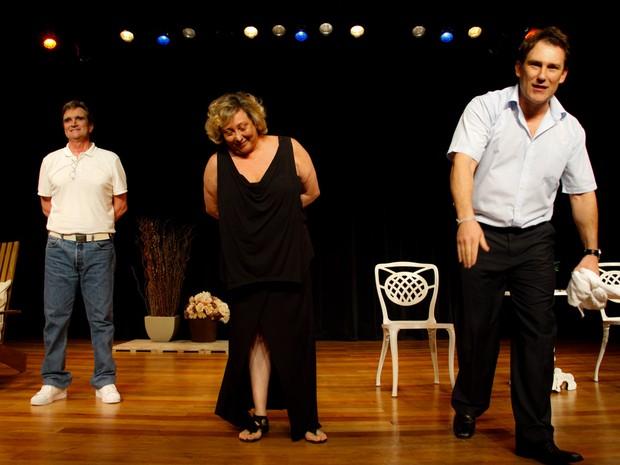 Roberto Arduin, Bárbara Bruno e Paulo Goulart Filho em peça em cartaz em São Paulo (Foto: Marcos Ribas/ Foto Rio News)