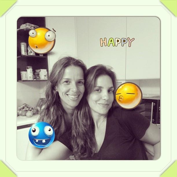 Ivete Sangalo posa com a irmã mais nova (Foto: Instagram)